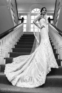 panna młoda w pięknej sukni